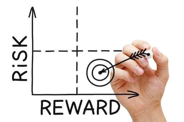 valutare rischi e benefici